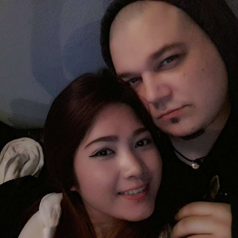 Hello,<br><br>I am so happy because I meet my wife on Thaikisses...<br><br>I love her with all my heart and she love me too.<br><br>Thank you Thaikisses for bringing us both together.<br><br>We got married...